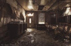 Livingroom of Decay